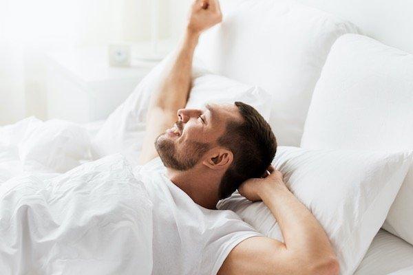mann-happy-12-tipps-gegen-zu-frueh-kommen-orgasmus